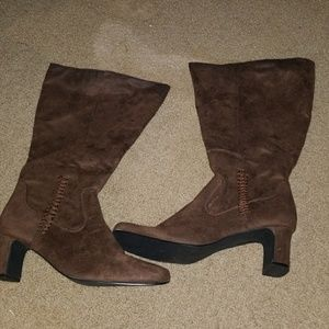 Shoes - Brown Side Stitch Suede Boots